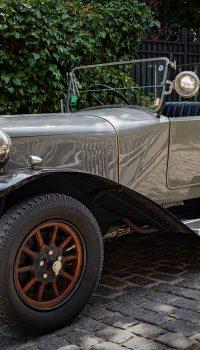 car-4393990_1920